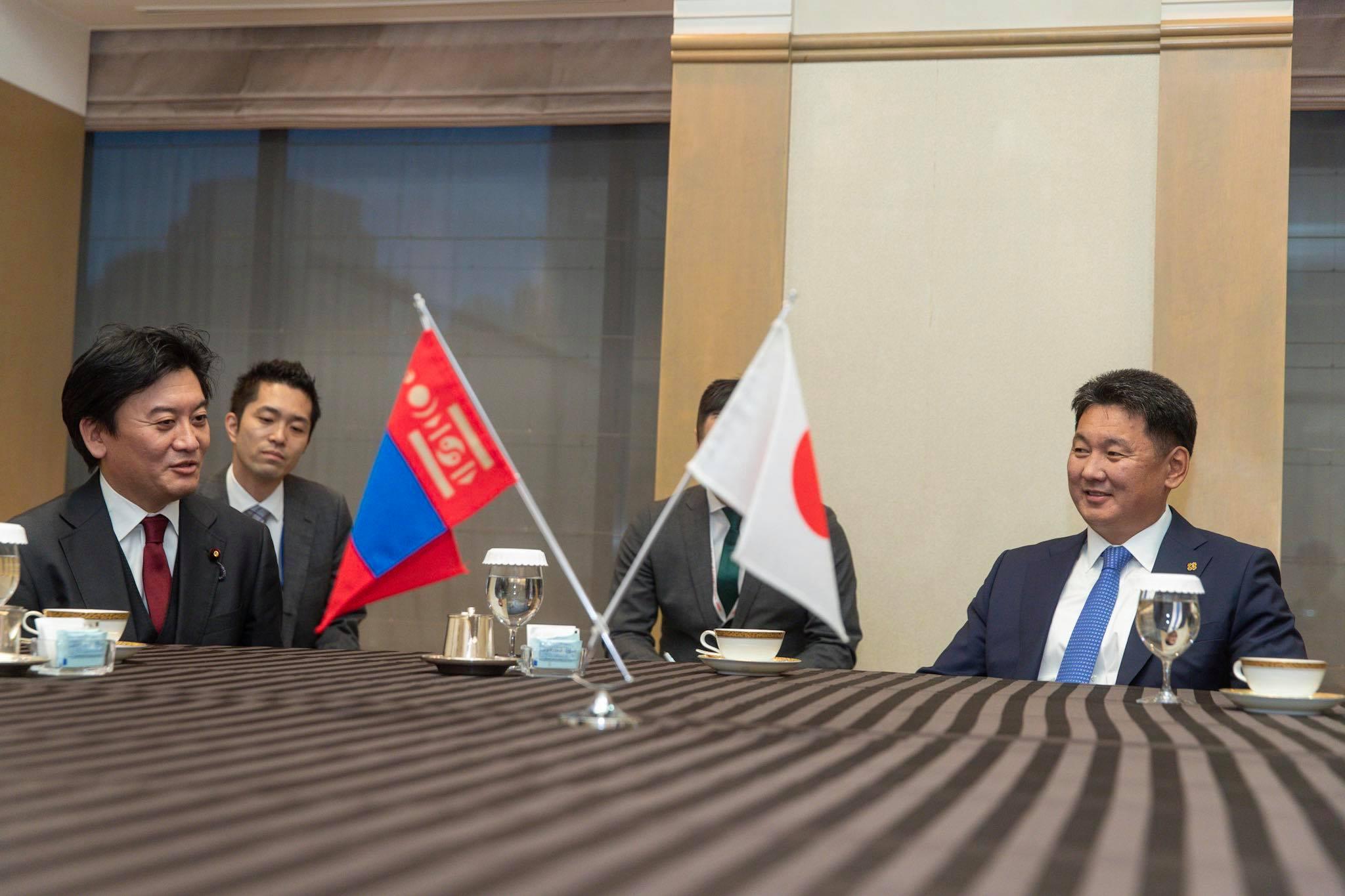 Ерөнхий сайд Японы Парламентын Төлөөлөгчдийн танхимын гишүүдийг хүлээн авч уулзав