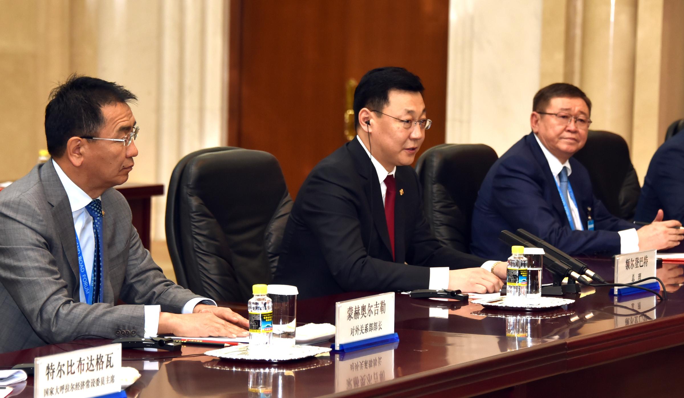 a23b296a70c864a872c0847da4462f84 Монгол Улсын Ерөнхий сайд Ж.Эрдэнэбат, БНХАУ-ын Төрийн Зөвлөлийн Ерөнхий сайд Ли Көчянтай нар албан ёсны хэлэлцээ хийв