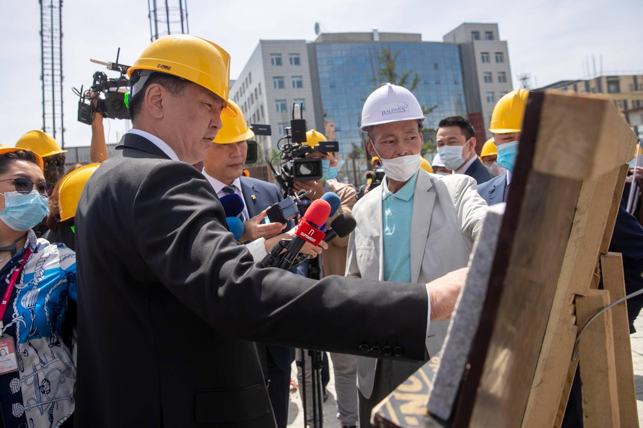 """""""Чингис хаан"""" хаадын музейн барилгыг төлөвлөсөн хугацаандаа дуусгана гэв"""